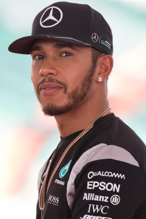 Lewis_Hamilton_2016_Malaysia_1.jpg