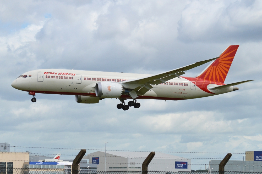 Boeing_787-8_VT-ANL_Air_India_(9080985670)-1.jpg