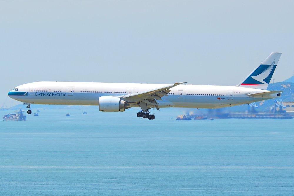 Cathay_Pacific_Boeing_777-300ER;_B-KPH@HKG;04.08.2011_615pq_(6207957266).jpg