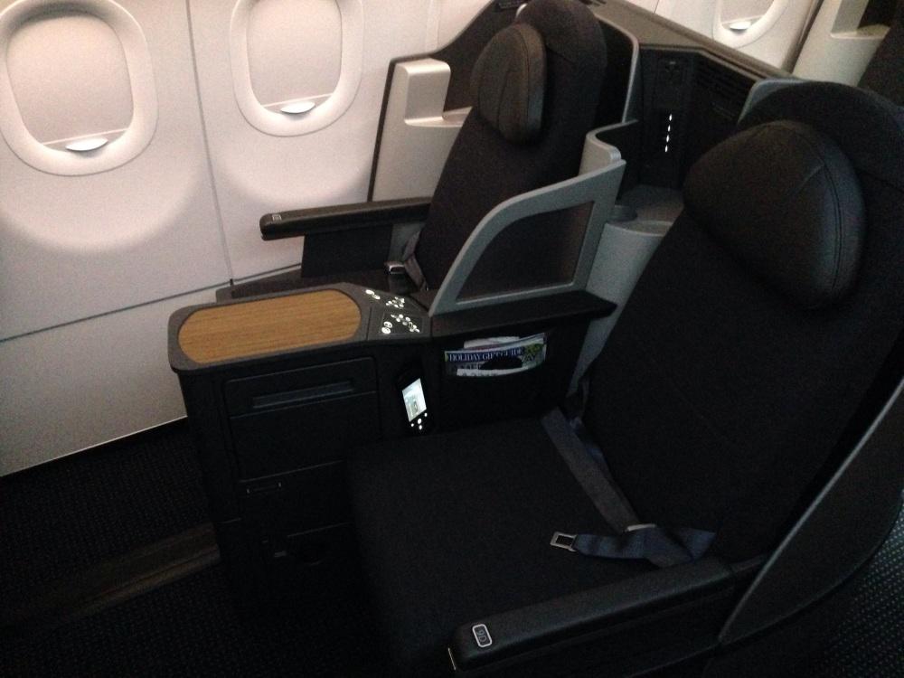 American_A321T_business_class_(11424746783).jpg